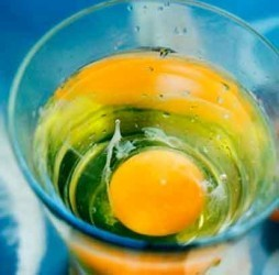 Как снять порчу на бесплодие при помощи яйца?