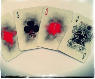 Как гадать на игральных картах: способы, обучение