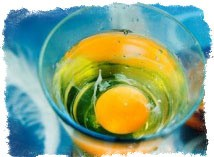 Снять сглаз яйцом и водой можно всегда важны детали