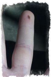 родинка на безымянном пальце левой руки