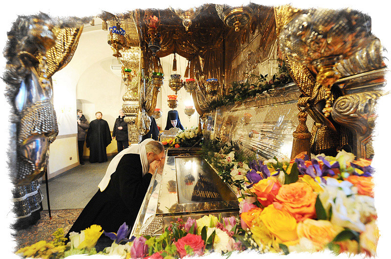 Рака с мощами Матроны Московской