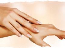 Родинки на пальцах рук — значение