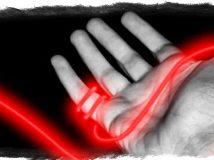 Как правильно завязать и заговорить красную нить?