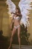 Как стать ангелом человеку в реальной жизни?