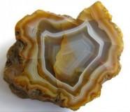 камни для козерога женщины