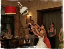 Поймать букет невесты на свадьбе — примета