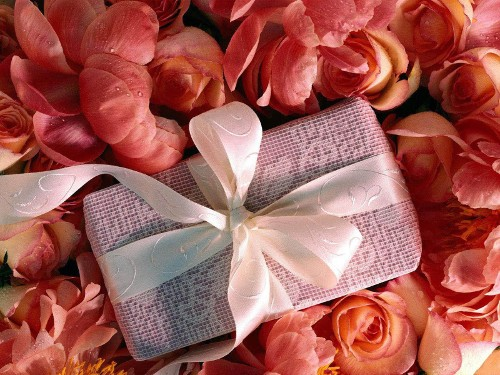 Какие подарки нельзя дарить — распространенные суеверия