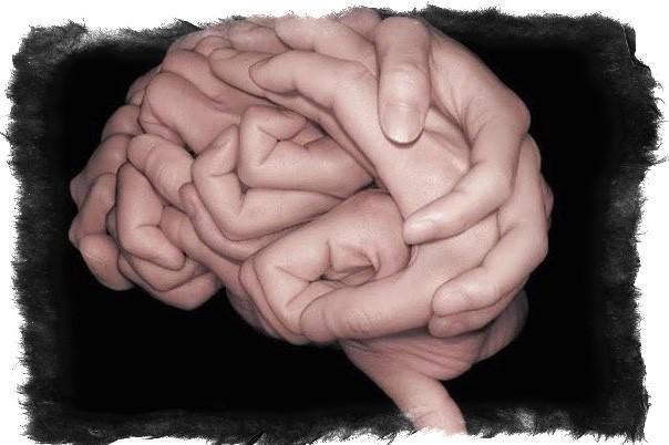 Двойная линия ума и головы на руке