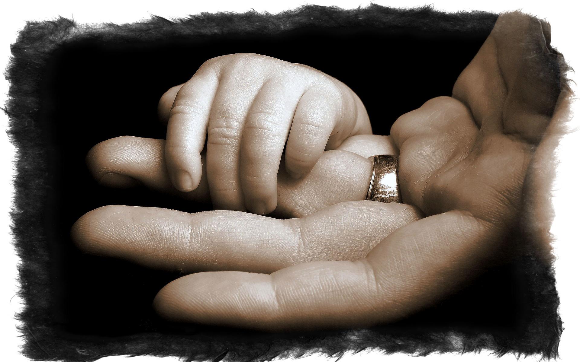 Что делать, когда немеет мизинец и безымянный палец левой руки