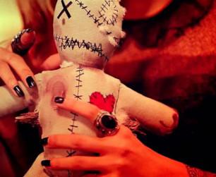 Фото + Приворот на куклу — магия Вуду вольта