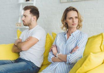 Охлаждение чувств между мужем и женой - один из признаков приворота
